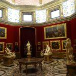 Bilder und Statuen
